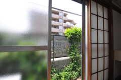 専用の庭付きで、物干しもできます。(101号室)(2013-06-07,専有部,ROOM,1F)