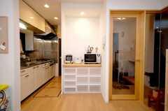 キッチン家電とキッチンストッカーの様子。(2008-05-03,共用部,KITCHEN,1F)