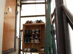 外階段から2F入り口へ。(2008-02-19,周辺環境,ENTRANCE,2F)