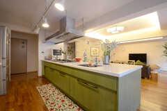 キッチンの様子2。広い作業台です。(2013-06-20,共用部,KITCHEN,)