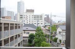 ベランダからの景色はこんな感じ。(301号室)(2013-06-20,専有部,ROOM,3F)
