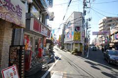 京王線・桜上水駅からシェアハウスへ向かう道の様子。(2010-12-28,共用部,ENVIRONMENT,1F)