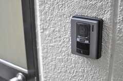 インターホンにはカメラが付いています。(2014-01-09,周辺環境,ENTRANCE,1F)