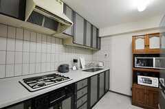 シェアハウスのキッチンの様子。(2010-10-19,共用部,KITCHEN,2F)