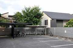 自転車置場の様子。 (2010-10-19,共用部,GARAGE,1F)