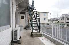 ベランダは外階段から直接アクセスもできます。(2013-05-13,共用部,OTHER,2F)