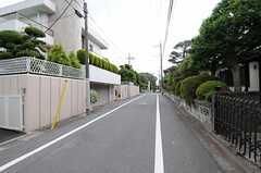 周辺は閑静な住宅街。(2013-05-13,共用部,ENVIRONMENT,1F)