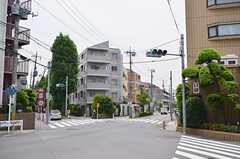 小田急小田原線・祖師ケ谷大蔵駅からシェアハウスへ向かう道のりの様子。(2014-06-01,共用部,ENVIRONMENT,1F)