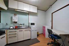 キッチンスペースの様子。(101号室)(2016-10-31,専有部,ROOM,1F)