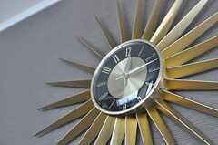 ギザギザの時計。(2012-01-06,共用部,LIVINGROOM,1F)
