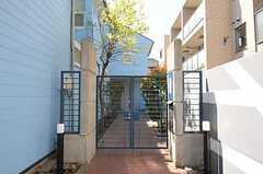 シェアハウスの正門。(2011-04-14,周辺環境,ENTRANCE,1F)