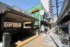 東急田園都市線・駒澤大学駅の様子。(2011-04-14,共用部,ENVIRONMENT,1F)