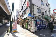 東急田園都市線・駒澤大学駅前の様子。(2011-04-14,共用部,ENVIRONMENT,1F)