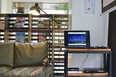 共用PCの様子。プロジェクターと接続できるので、大きなスクリーンにPCの画面を映し出すことができます。(2013-03-01,共用部,PC,2F)