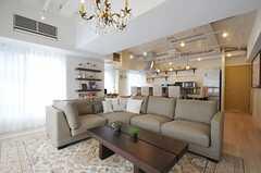 ゆったりとしたソファも魅力的。(2013-03-01,共用部,LIVINGROOM,3F)