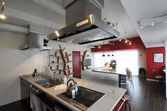 キッチンから見たラウンジThinkの様子。(2013-03-01,共用部,LIVINGROOM,9F)