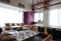 ラウンジFeelは床座です。(2013-03-01,共用部,LIVINGROOM,12F)