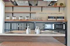 ラウンジFeelのキッチン。(2013-03-01,共用部,KITCHEN,12F)
