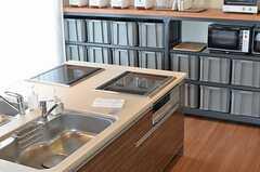 ラウンジFeelのキッチン2。(2013-03-01,共用部,KITCHEN,12F)