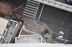 窓から下を見るとこんな感じ。(1306号室)(2013-03-01,専有部,ROOM,13F)