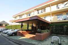 マンションの外観。3室がシェアハウスです。(2011-03-29,共用部,OUTLOOK,1F)