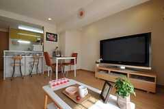 TVは50インチの超大型。(2011-03-29,共用部,TV,1F)
