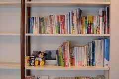 本棚は共用です。(2015-07-27,共用部,LIVINGROOM,3F)
