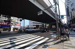 東急田園都市線・駒沢大学駅前の様子。(2015-07-27,共用部,ENVIRONMENT,1F)