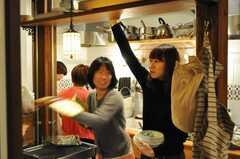 パエリアパーティーの様子2。(2010-02-28,共用部,PARTY,1F)
