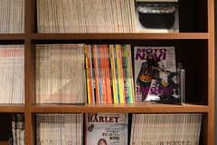 本棚の様子。(2014-01-20,共用部,LIVINGROOM,1F)