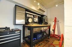作業台にはさまざまなツールが用意されています。(2014-01-20,共用部,OTHER,1F)
