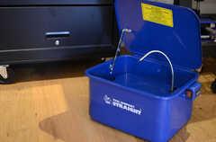 灯油でパーツを洗浄できる器具。(2014-01-20,共用部,OTHER,1F)