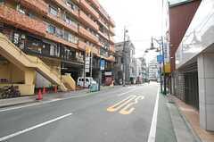 各線・三軒茶屋駅からシェアハウスへ向かう道の様子。(2014-01-16,共用部,ENVIRONMENT,1F)