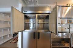 業務用冷蔵庫の様子。(2012-10-05,共用部,KITCHEN,3F)