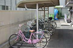 自転車置き場の様子。今後もう少しスペースを増やす予定だとか。(2012-10-05,共用部,GARAGE,1F)