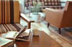 キッチンのコーヒーメーカーで、美味しい珈琲待夢を。(2012-11-04,共用部,LIVINGROOM,3F)