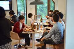 イベントには老若男女、住人さん含め周辺に住まわれている方も参加しました。(2014-10-02,共用部,PARTY,3F)