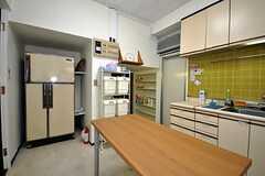 キッチンの様子2。(2013-02-22,共用部,LIVINGROOM,1F)