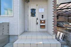 シェアハウスの玄関。(2018-01-17,周辺環境,ENTRANCE,1F)