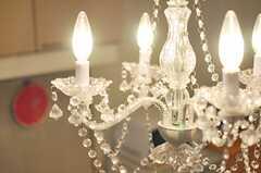 照明はシャンデリアです。(2013-10-20,共用部,LIVINGROOM,2F)