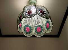 以前は一般住宅であった事を感じさせる1階トイレの装飾。(2005-07-14,共用部,OTHER,1F)