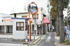 シェアハウス周辺の様子2。渋谷までのバス停が近くにあります。(2018-10-09,共用部,ENVIRONMENT,2F)