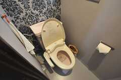 ウォシュレット付きトイレの様子。(2011-05-10,共用部,TOILET,2F)