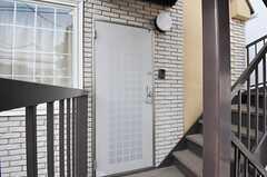 シェアハウスの正面玄関。(2013-02-23,周辺環境,ENTRANCE,2F)