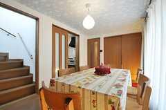 テーブルクロスはフランスから輸入されたそう。(2013-02-23,共用部,LIVINGROOM,2F)