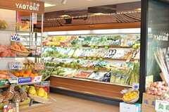 最寄りのスーパーの様子。(2013-02-23,共用部,ENVIRONMENT,1F)