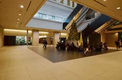 東急田園都市線・用賀駅直結の「世田谷ビジネススクエア」の様子。飲食店も多数入っています。(2016-02-22,共用部,ENVIRONMENT,1F)
