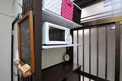 電子レンジの様子。上の段のボックスは各部屋ごとに使用できます。(2012-09-17,共用部,OTHER,1F)