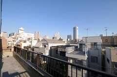 ベランダの様子。都庁も見えます。(401号室)(2010-12-28,専有部,ROOM,4F)