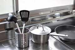調理器具の様子。(2012-05-29,共用部,KITCHEN,1F)